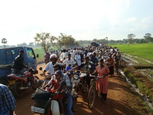 More than 200,000 people are trapped in less than 100 square kilometers in the Vanni area in northern Sri Lanka as a result of recent fighting between government forces and the separatist Liberation Tigers of Tamil Eelam. © 2009 Private