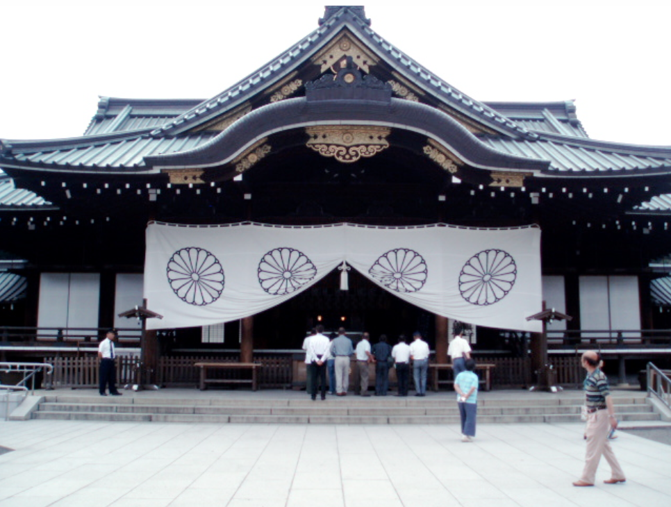 shinzo-abe-yasukuni-shrine-war-criminals-militarism-japan