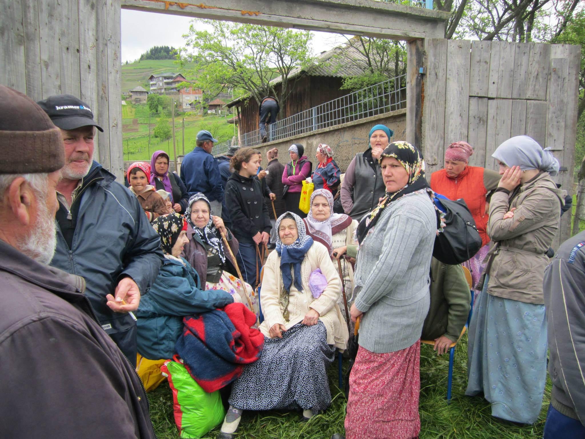 bosnia-flood-relief-serbs-muslims-croats
